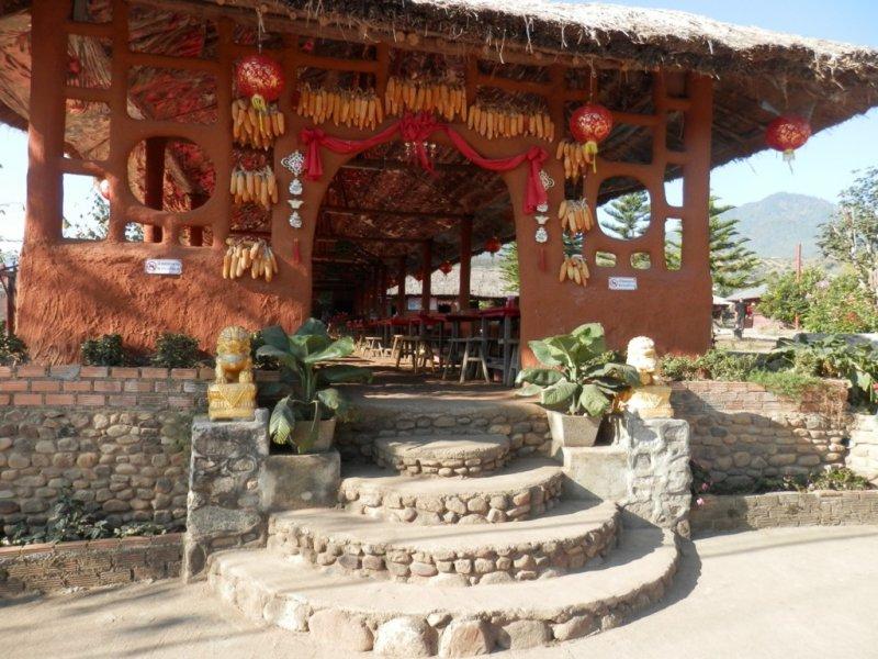 013 Chinesisches Dorf bei Pai 1