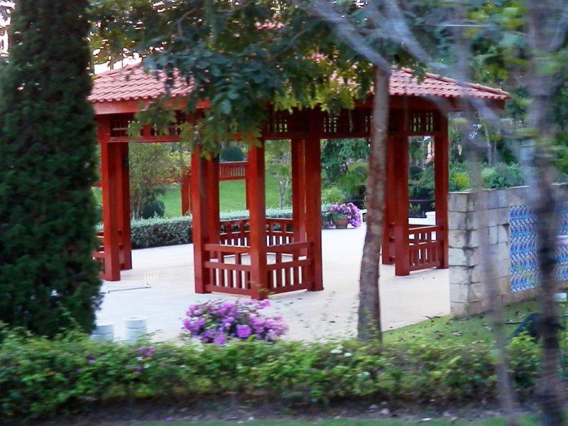141 Royal Park Rajapruek 6