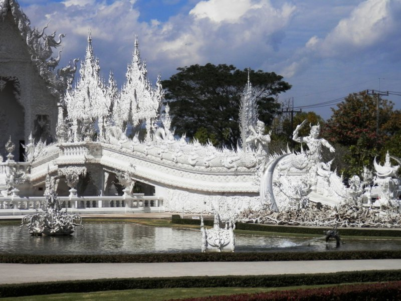 144 weisser Tempel Wat Rong Khun bei Chiang Rai 2
